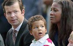 Son Altesse Sérénissime la Princesse Angela du Liechtenstein, épouse de Son Altesse Sérénissime le Prince Maximilien du Liechtenstein le second fils du Prince régnant Hans Adam. Ils se marient le 29 janvier 2000 à l'église Saint Vincent Ferrer de New York. En 2001, elle donne naissance au Prince Alfons.