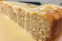 Melhor que a receita clássica só mesmo esta de bolo de iogurte saudável. Uma receita fit e ótima para os mais pequenos - este delicioso bolo de iogurte. Bolos Light, Banana Bread, Desserts, Food, Healthy Yogurt, Rolled Oats, Oat Flour, Dessert, New Recipes