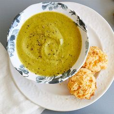 Broccoli Cheddar Soup With Cheddar Biscuits - The Pampered Chef®