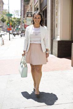 Spring work outfit: pink skirt + white blazer