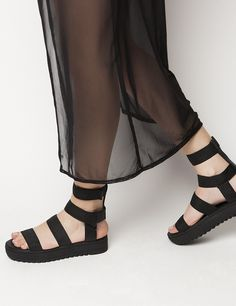 Jesse Black Flatforms S/S 2015 #Fred #keepfred #shoes #collection #fashion #style #new #women #trends #flatforms #lastixa #sandals #black Sweet 16, Cute Outfits, Trends, Sandals, Happy, Shoes, Collection, Black, Women