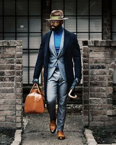 Gentleman Style 470626229812902670 - Southern Gents Black Topcoat with Glenplaid Suit & Smithson Penny Loafers Source by Men In Black, Handsome Black Men, Gents Fashion, Mens Fashion Suits, Mens Suits, Suit Men, Style Gentleman, Der Gentleman, Sharp Dressed Man