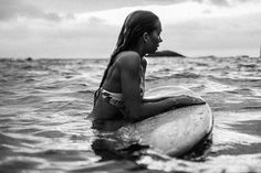 Biarritz Billabong Surf discovered by Catalina Salvatore Black And White Beach, Black And White Photo Wall, Black And White Pictures, Black And White Photography, Summer Photos, Beach Photos, Foto Casual, Beach Aesthetic, Black And White Aesthetic