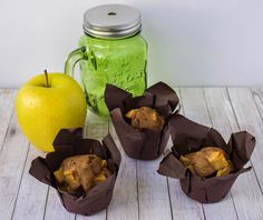 Apple muffins with cinnamon