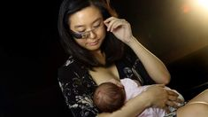 New mothers struggling with breastfeeding may soon have the latest technology at their disposal to get expert help at any time of day. Health Application, Lactation Consultant, Google Glass, Baby Feeding, Breast Feeding, Small World, Modern Man, Mom And Baby, Fun To Be One