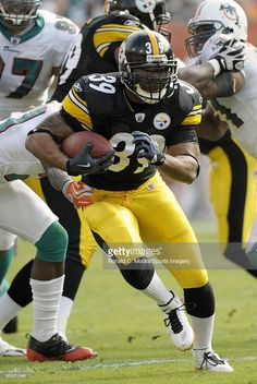 Willie Parker #39 of the Pittsburgh Steelers 2010