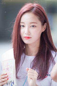 MOMOLAND - Yeonwoo