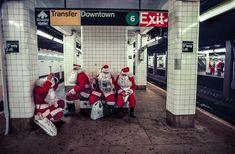 A team of department store Santas wait for the New York City subway, Jodi Cobb. New York Christmas, Christmas On A Budget, Christmas Past, Holiday, New York Subway, Nyc Subway, National Geographic Society, Merry Christmas Ya Filthy Animal, Photography Series