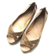 Seychelles Peep / Open Toe Gold Flats Gold Faux Snake Skin Flats. Anthropologie Shoes Flats & Loafers