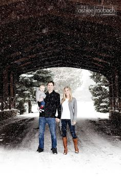 Winter family portraits.  Love a family whose up for a good ol' winter shoot!   Ashlee Raubach Photography: love love love this shoot.  ((Omg... I soooo wish that I knew where there was a covered bridge around here!! There are tons in other states... just not close enough to here!!!))