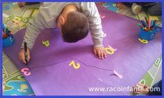 Hoy os traemos una idea para trabajar las matemáticas aprovechando que estamos introduciendo los pasatiempos.  http://www.racoinfantil.com/matem%C3%A1ticas/unir-n%C3%BAmeros-para-crear-un-dibujo/