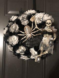 Halloween Magic, Halloween Trees, Halloween Jack, Halloween Birthday, Diy Halloween Decorations, Spirit Halloween, Holidays Halloween, Halloween Crafts, Skeleton Decorations