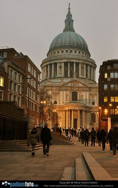 St. Paul's Cathedral - London, England.