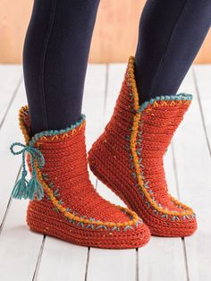 Made using 2 balls ginger a 1 ball each mustard b and eucalyptus c king cole fashion aran worsted weight yarn and a size h 8 crochet hook finished measurements fit actual foot length 8 3 4 quot; Crochet Boots Pattern, Annie's Crochet, Knitted Slippers, Crochet Slippers, Crochet Crafts, Crochet Patterns, Knit Shoes, Slipper Boots, Signature Design