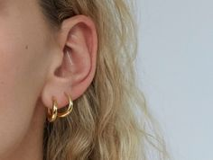891cd9fb0 Small gold graduated hoop - Otiumberg Small Gold Hoop Earrings, Small Gold  Hoops, Gold