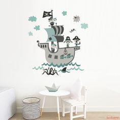 Vinilo infantil de tela Barco Pirata mint para decorar la habitación de tu hijo con estilo nódico en venta en la tienda online de vinilos infantiles Decohappy.