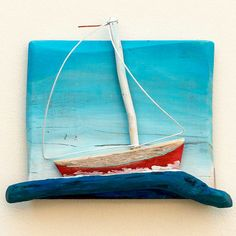 artworks made out of driftwood Painted Driftwood, Driftwood Wall Art, Driftwood Projects, Beach Wood, Beach Art, Sea Crafts, Diy And Crafts, Camping Crafts, Wood Creations