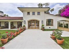 1005 BENEDICT CANYON Dr Beverly Hills, CA 90210
