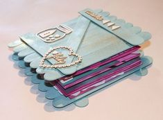 Mi flip flap flop book, o vaya, lo que es lo mismo, un mini álbum scrapbook Popsicle Stick Crafts, Craft Stick Crafts, Crafts To Make, Mini Albums Scrap, Mini Scrapbook Albums, Therapy Journal, Diy Back To School, Busy Book, Xmas Crafts