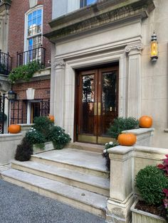 Habitually Chic® » October 2020 in New York Bon Weekend, Autumn Inspiration, Sunny Days, Townhouse, New York, October, Italy, Halloween, Chic