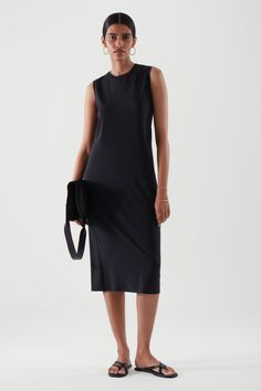 Trendy Dresses, Dresses For Sale, Dresses For Work, Dresses With Sleeves, Work Looks, Models, Sustainable Clothing, Navy Dress, Work Fashion