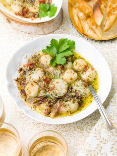 Sint-jakobsvruchten uit de oven met gedroogde Italiaanse ham