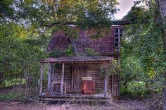 Randolph County, Georgia | Flickr - Photo Sharing! Abandoned Houses, Abandoned Places, Old Houses, Abandoned Property, Haunted Houses, Old Cabins, Old Buildings, Empty, Randolph County
