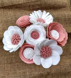 Pink and white floral bouquet floral stems wool felt by madymae Easy DIY Felt Crafts, Felt Crafts Patterns and Felt Crafts For Preschoolers. Make a Pretty Felt Flower Crown Felt brooch in shape of a peony (tutorial) This Pin was discovered by shi Felt Flowers Patterns, Felt Crafts Patterns, Felt Crafts Diy, Felt Diy, Paper Flowers Diy, Handmade Flowers, Flower Crafts, Fabric Flowers, Felt Flower Bouquet