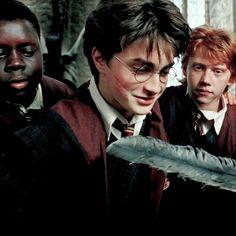harry potter // prisoner of azkaban Harry Potter Icons, Slytherin Harry Potter, Harry James Potter, Harry Potter Pictures, Harry Potter Aesthetic, Harry Potter Hermione, Harry Potter Characters, Harry Potter Universal, Harry Potter World