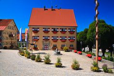 Deutschland Allgäu/Main town square in Weiler Maine, Mansions, House Styles, Home Decor, Decoration Home, Manor Houses, Room Decor, Villas, Mansion