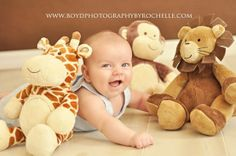 Tons of 3 month baby picture ideas on this blog post!