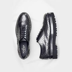 Dynamic flair. The  HOGAN  FW1617  H308  Route Brogues in shiny silver efcd1ee0d03