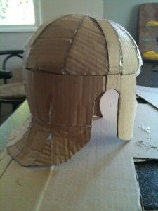 Roman Armour Part Start at the top Roman Soldier Helmet, Roman Soldier Costume, Greek God Costume, Roman Helmet, Cardboard Costume, Cardboard Mask, Cardboard Crafts, Foam Armor, Paper Mask