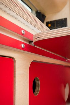 VW camper table detail More - Vanlife & Caravan Renovation Sprinter Camper, Bus Camper, Kangoo Camper, Mini Camper, Camper Trailers, Auto Camping, Van Camping, Camping Signs, Beach Camping