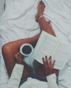 Fotos Tumblr | Sozinha | Quarto @lyhdrigues instagram Tumblr Love, Tumblr Girls, Selfie Poses, Insta Photo Ideas, Book Photography, Instagram Feed, Photoshoot, Tumbler, Reading Books