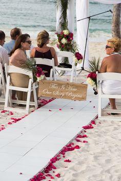Beach wedding sign <3 the sign!!