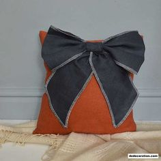 Bow Linen Cushion - http://www.dedecoration.com/interior-home-design/bow-linen-cushion.html