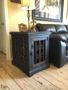 Custom dog kennel, dog crate, end table, solid wood. www.facebook.com/inthedoghousekenneldesigns