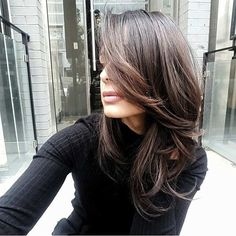 Glamorized Layered Hairstyles and Haircuts for Women (10)