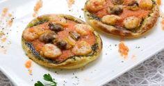 Mini pizzas de gambas, almejas y champiñones