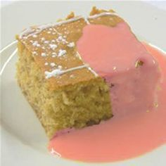 School dinners - sponge slab and pink custard. [I'd forgotten all about this, and it was on of the highlights of school dinners as well. Looking at it now gives me the horrors :) ] Custard Recipes, Cake Recipes, Old School Puddings, School Dinner Recipes, Old School Desserts, Just In Case, Just For You, School Cake, My Childhood Memories