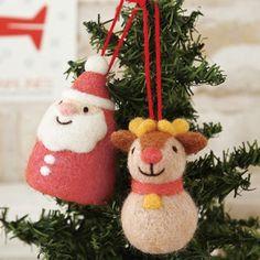 Fan Mary: The packet that Christmas ornament [Santa reindeer] (handmade kit) handicrafts kit Hamanaka wool kit wool felt Christmas Makiko Arai says Felt Christmas Ornaments, Christmas Figurines, Handmade Christmas, Christmas Crafts, Xmas, Vintage Christmas, Felt Diy, Handmade Felt, Felt Crafts
