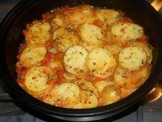 Cartofi noi cu ardei la cuptor - Cartofi noi cu ardei la cuptor Pesto, Potato Salad, Cauliflower, Shrimp, Side Dishes, Potatoes, Vegetables, Cooking, Ethnic Recipes