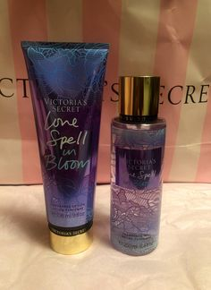 Love spell in bloom Honeysuckle petals Apricot rose A love spell bouquet Victoria Secret Fragrances, Victoria Secret Perfume, Maquillage Victoria Secret, Kit Perfume, Parfum Victoria's Secret, Victoria Secret Body Spray, Bath And Body Works Perfume, Body Lotions, Tips Belleza