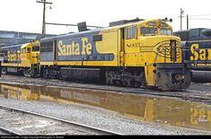 Santa Fe GE U30CG Diesel Locomotive.