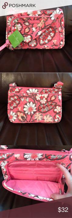 NWT Vera Bradley little hipster in blush pink NWT Vera Bradley little hipster in blush pink Vera Bradley Bags Crossbody Bags