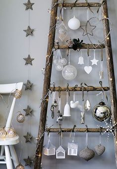 Von the white company Weihnachts-Deko-Leiter & www.de/& The post Von the white company appeared first on Fashion and Recipes. Unique Christmas Trees, Alternative Christmas Tree, Rustic Christmas, Christmas Home, White Christmas, Christmas Crafts, Modern Christmas, Scandinavian Christmas, Christmas Tree Ideas For Small Spaces