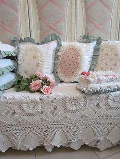 Pour le couvre-lit blanc
