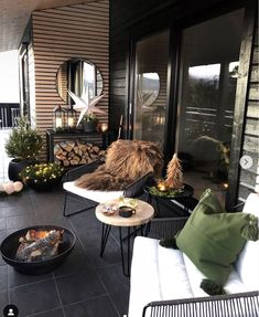 Patio Decorating Ideas On A Budget, Porch Decorating, Patio Ideas, Decor Ideas, Terrace Ideas, Outdoor Spaces, Outdoor Living, Outdoor Decor, Ideas Terraza