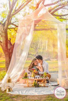 Romantic Picnic Date Romantisches Picknick Date Romantic Backyard, Romantic Picnics, Romantic Dinners, Picnic Date, Summer Picnic, Beach Picnic, Tabarka, Backyard Picnic, Garden Picnic